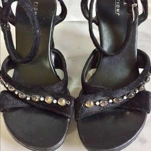FIONI Clothing Shoes - Fioni Black Embellished Wedges